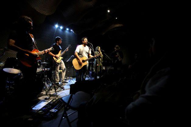 روایت آسوشیتدپرس از موسیقی زیر زمینی در ایران + عکس
